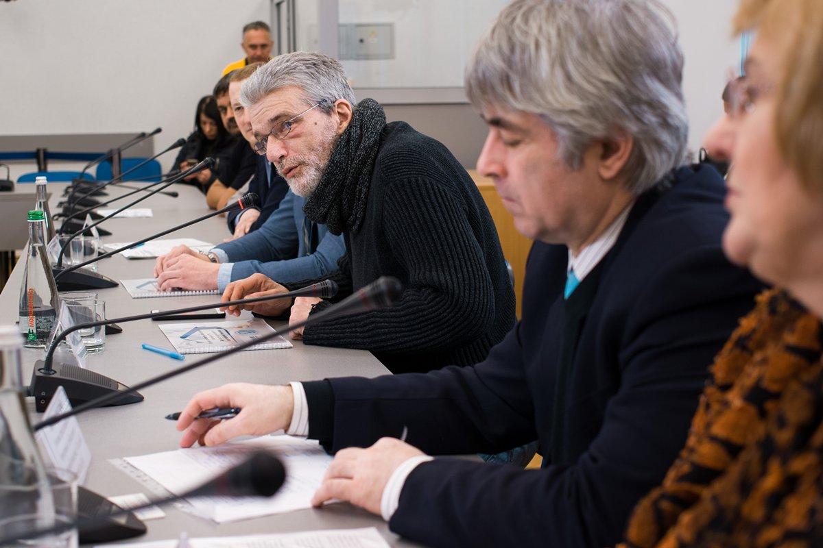 news - Громадські активісти мізкували, як облаштувати переселенців і АТОвців